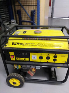 Champion - 5500 W Portable Gasoline Generator New in condition