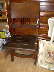 Antique C.-1905 Threatre Balcony Chair Cambridge Kitchener Area image 1