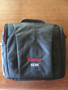 Canon 800SR DSLR Camera Bag - $25