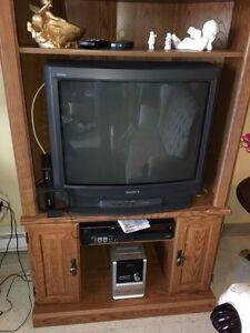 Meuble télé a donné avec la tv si vous la voulez