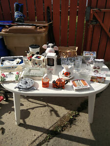 Garage sale,and many more to come from here. Regina Regina Area image 3
