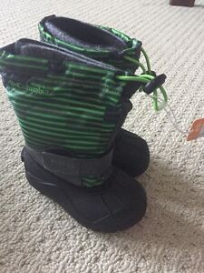 Children's size 9 Columbia brand new boots  London Ontario image 1
