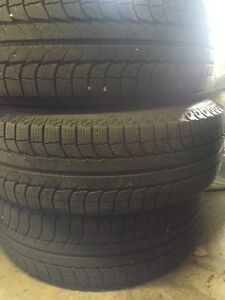 SET OF 4 WINTER TIRES ON RIMS MICHELIN X ICE