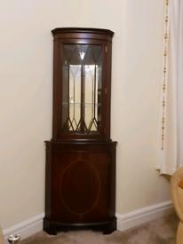Corner storage cabinet - Used