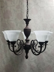 Beautiful 5-Light Wrought-Iron Chandelier – SPOTLESS!!