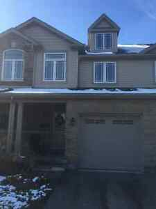 5 Bedrm Townhouse rental in Westminster Woods! Direct bus to UoG