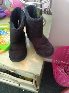 Snowpants size 5/6 and fall girl boots size 12