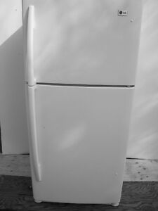 LG Refrigerator - clean, white, delivery available