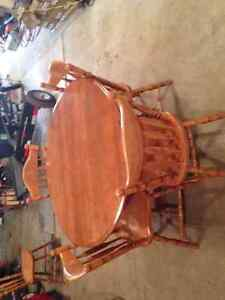 Round Maple Dining Table with 6 Chairs Kingston Kingston Area image 2