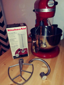 KitchenAid 6QT Mixer & Accessories