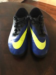 Souliers de soccer Nike - Nike soccer cleats