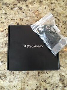 BlackBerry Curve 8500 Series - REDUCED Strathcona County Edmonton Area image 3