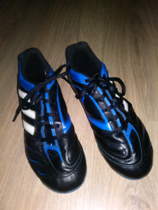 Souliers soccer garcon 6 ans Adidas