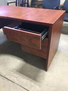 5' x 5' Workstation in Summerflame - Office Desk Oakville / Halton Region Toronto (GTA) image 5
