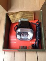 Attention Camera Collectors: Vintage Eaton Top Mount Movie Light