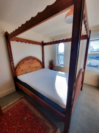 Solid Wood Unusual Four Poster Bed King Size and Casper Mattress