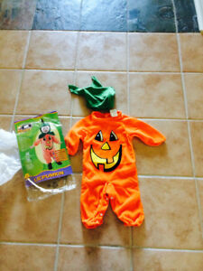 LIKE NEW! INFANT PUMPKIN