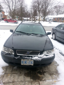 2002 volvo v40 for sale fully loaded good runing condition need