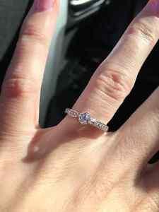 Beautiful Canadian Diamond Engagament Ring Kitchener / Waterloo Kitchener Area image 1