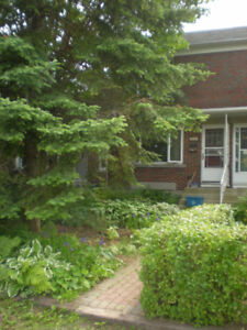 Lovely 3 BDRM Townhouse in Westboro