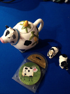Cow teapot/salt and pepper/coasters