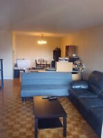 Lease Transfer: Superb 3 1/2 in the heart of Downtown