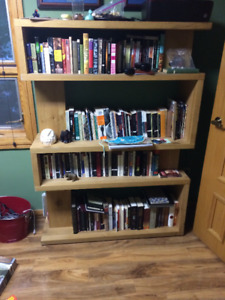 Structube Bookcase / Shelf Unit