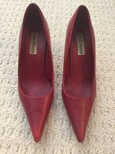 Steve Madden Red Pumps - size 5.5