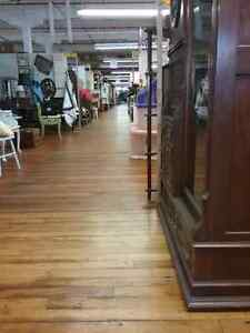 Canada's largest antique mall 600 booths to explore  Kawartha Lakes Peterborough Area image 5