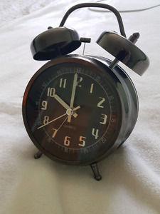 Gunmetal battery-powered analog clock