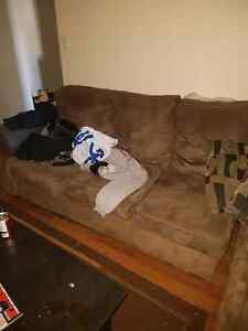 2 piece sectional couch  Windsor Region Ontario image 2