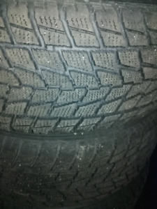 255/65/R16 winter tires with the rim