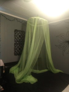 Mesh over the bed decor