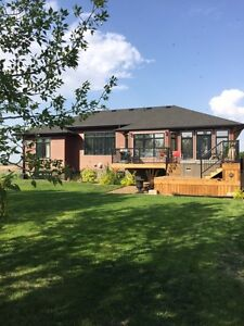 Home for sale on Stoney Lake (Humboldt)