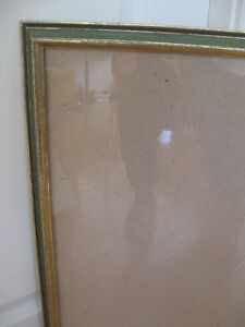 LARGE FANCY-GROOVED VINTAGE GLASSED PICTURE FRAME