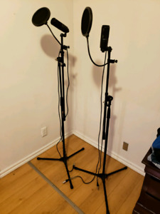microphones with stand and pop filter
