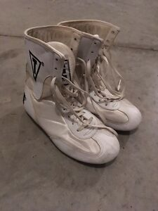 Title size 3 boxing boots Kitchener / Waterloo Kitchener Area image 2