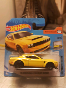 Hot wheels 18 Dodge Challenger SRT Demon shortcard