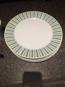Dishes (4 place settings)