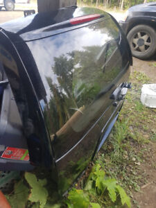 2002 GMC Envoy Rear Tailgate with tinted & heated window