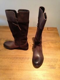 Ladies Levi's Knee high boots - Size UK4 - New