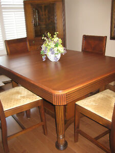 Beautiful Solid Walnut Antique Dining Set Kitchener / Waterloo Kitchener Area image 1