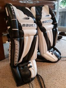 Bauer Supreme Goalie Pads *amazing condition*