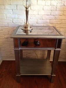Table d'appoint et commode