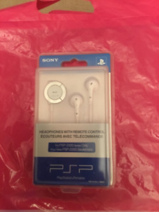 NEW PSP 2000 Sony Headphones