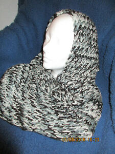 hand knit cowl and hat