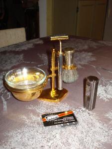 """Kit de rasage """" PLISSON """" (France) + briquet """" REGAL """"  à cigare"""
