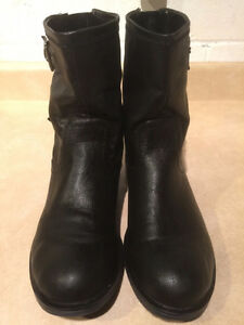 Women's GUESS Leather Boots Size 8.5 London Ontario image 2
