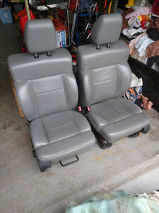 Pair of power heated leather seats 2004 ford 150