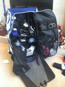 Grit tower hockey bag with wheels 36in